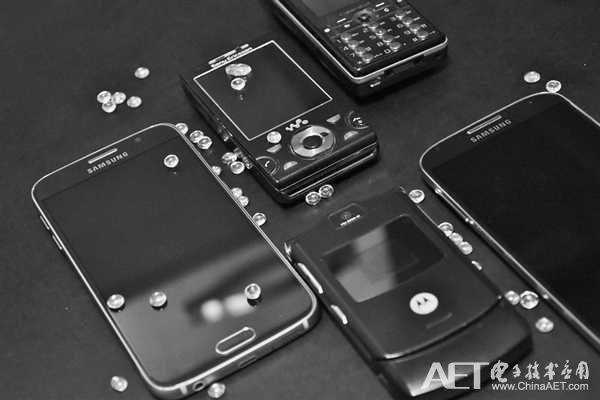 同样是折叠屏手机 为什么它们这么另类?